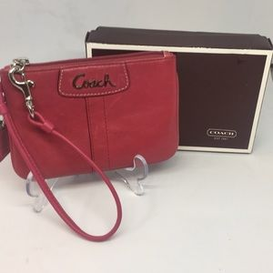 Women's Coach Wristlet Preowned In Box